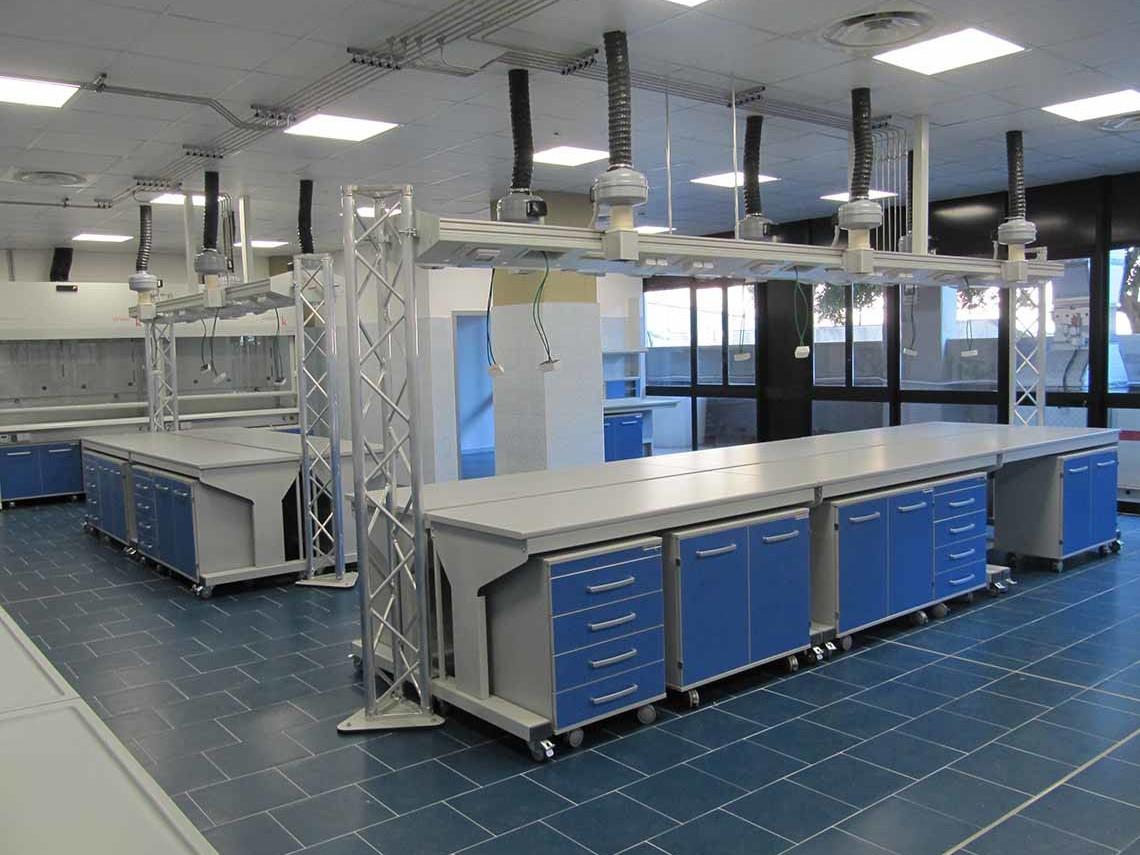 Banco Di Lavoro Per Laboratorio Chimico : Sistemi a satellite u ferraro arredi tecnici